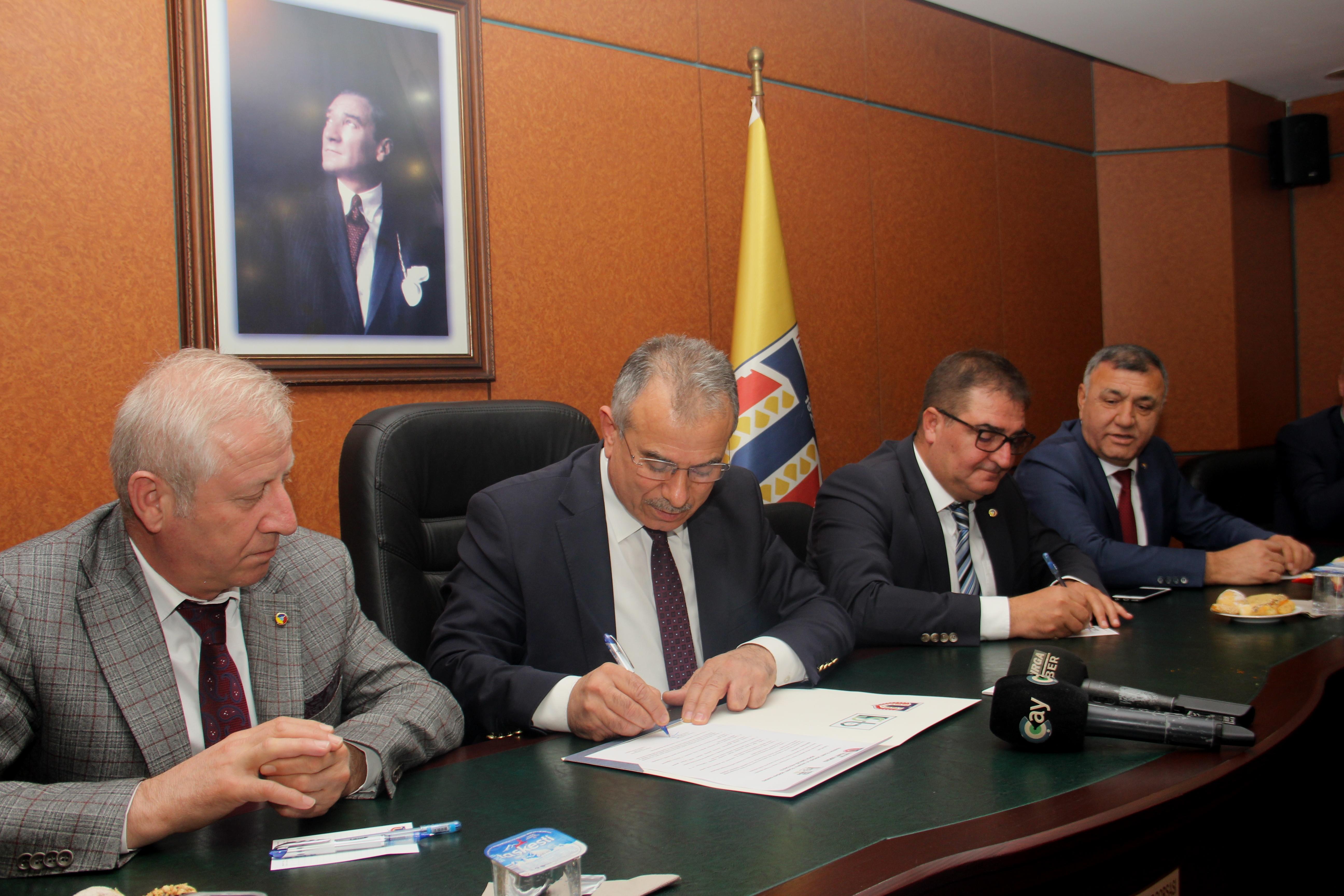 Trabzon ile Sakarya Ticaret Borsası İşbirliği Protokolü yaptı