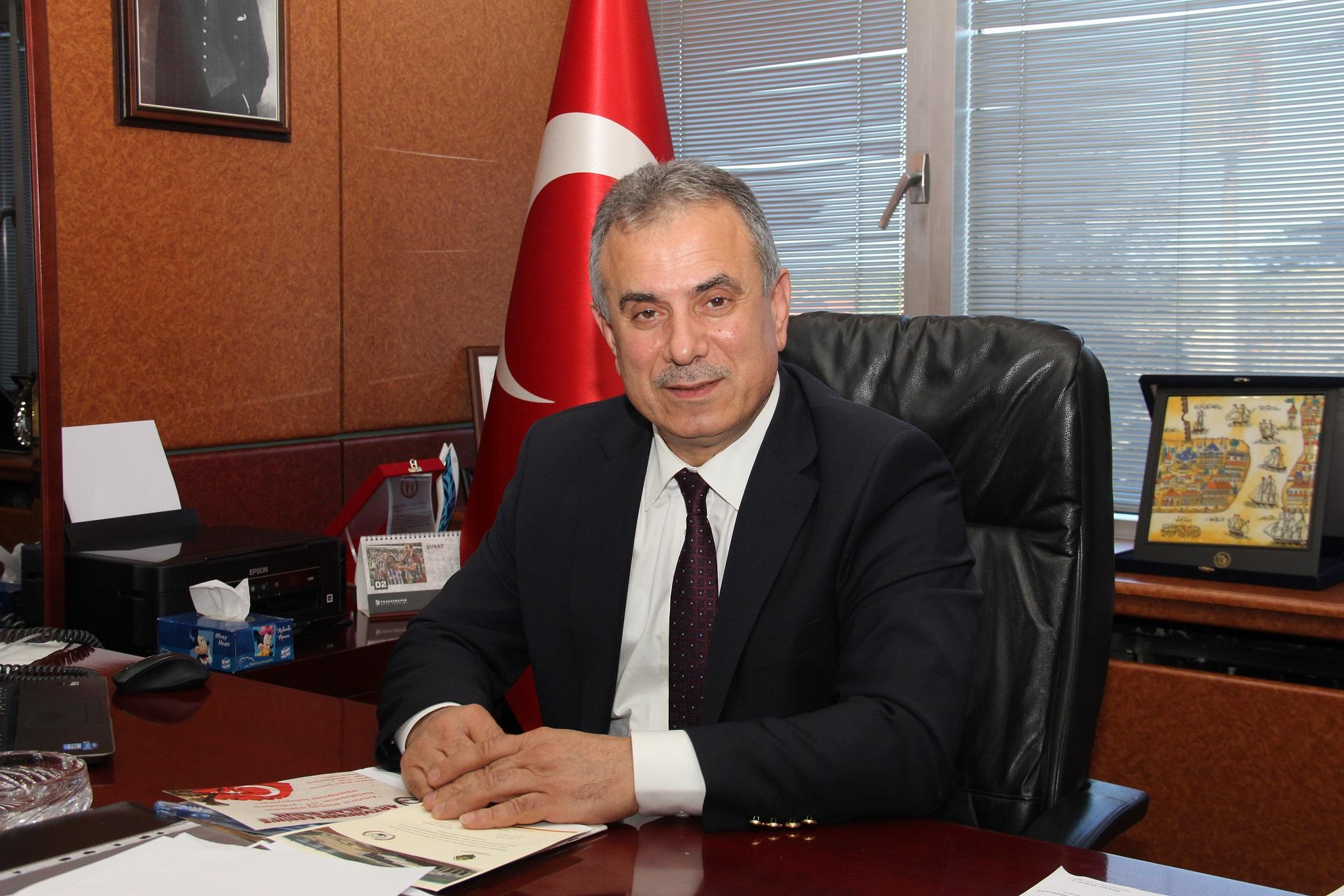 """TTB Başkanı Ergan, """"Bu güzel ülkeyi, vatan toprağını her aşama çok çalışıp, çok üreterek daha üst yerlere taşımalıyız."""""""